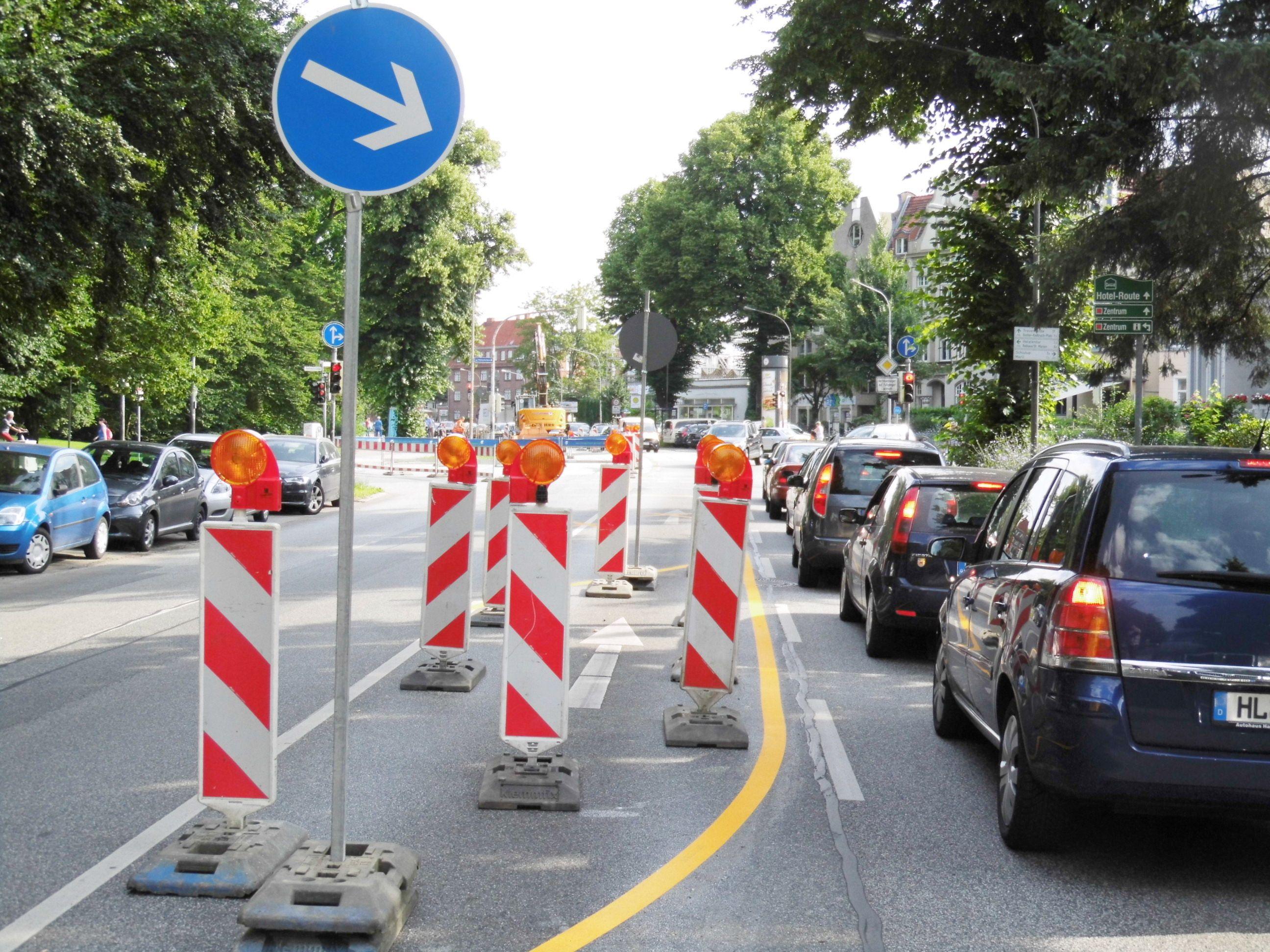 Verkehrsbehinderungen Hüxtertorallee