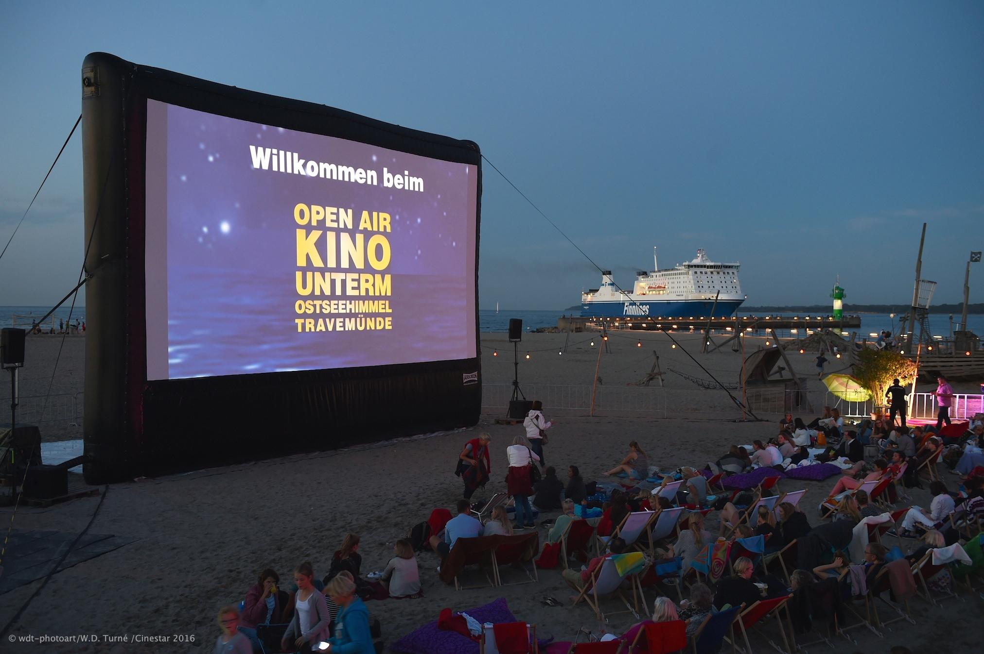 open air kino am strand von travem nde wochenspiegel online. Black Bedroom Furniture Sets. Home Design Ideas