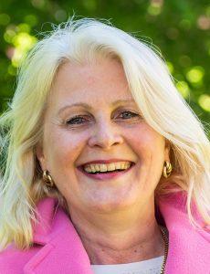 Kathrin Weiher (55) ist Kandidatin von BfL, CDU, Die Linke, FDP und Grünen. 2014 wurde sie von der Bürgerschaft zur neuen Senatorin für Kultur und Bildung gewählt.
