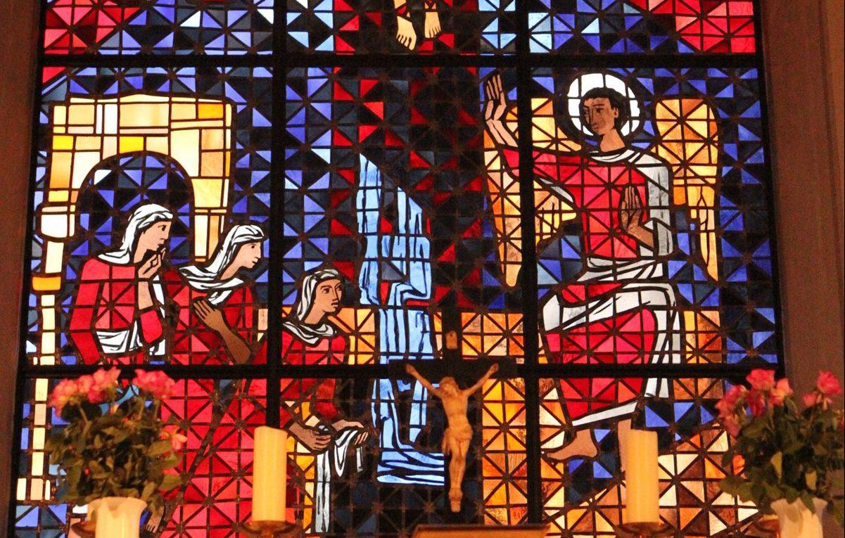 Das aus 2000 Einzelteilen bestehende Kirchenfenster soll durch die neue Heizungsanlage geschützt werden.