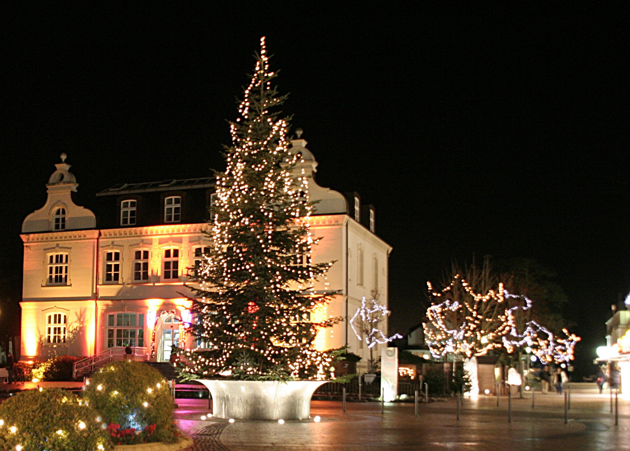 Timmendorfer Strand mit Weihnanchtsbeleuchtung