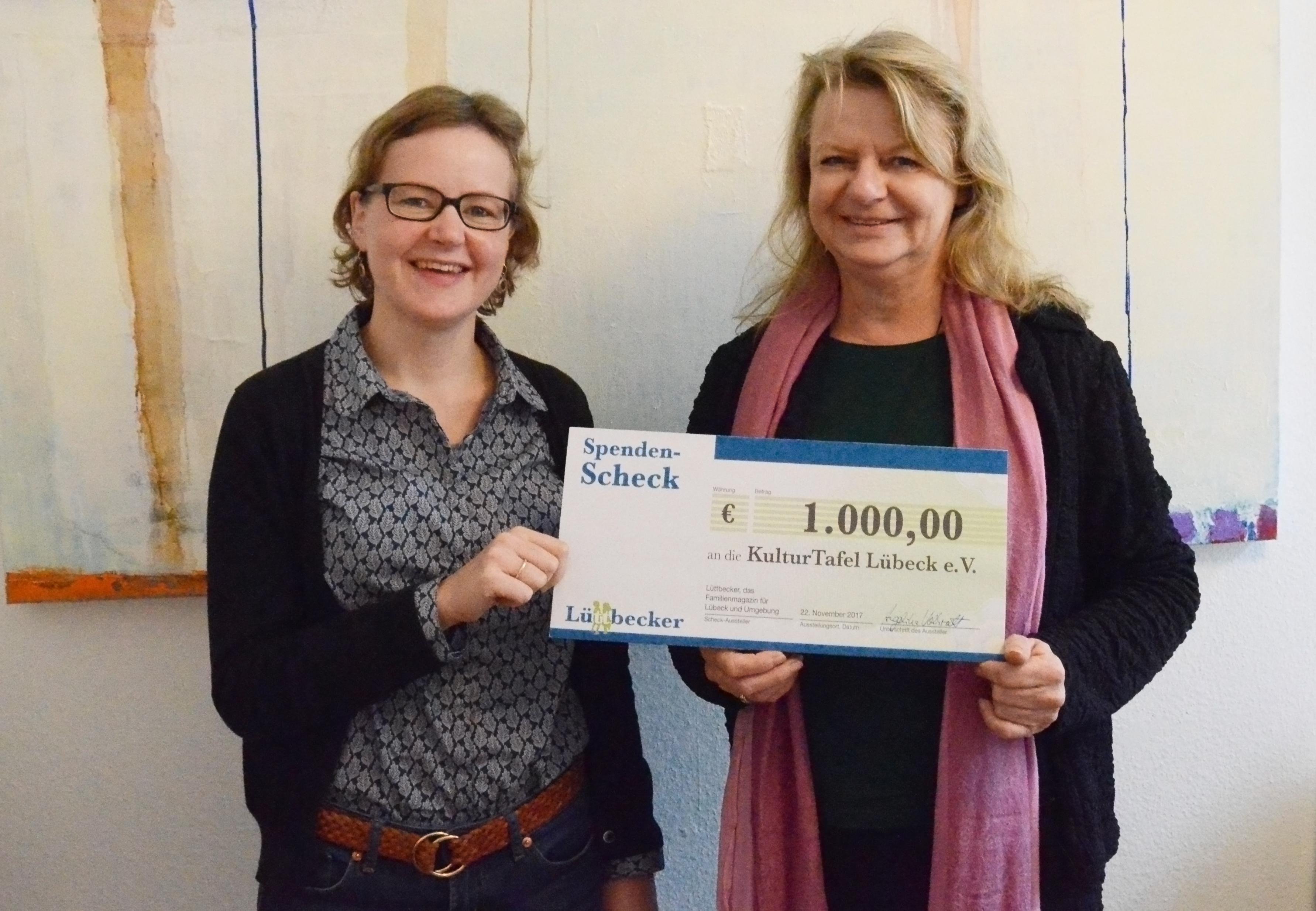 Lüttbecker spendet 100 Euro der Kulturtafel