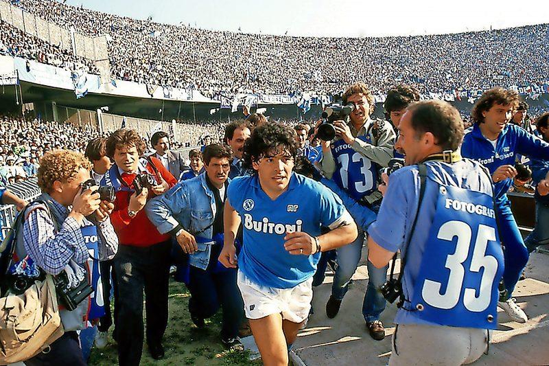 Fußball-Legende Diego Maradona auf der großen Leinwand