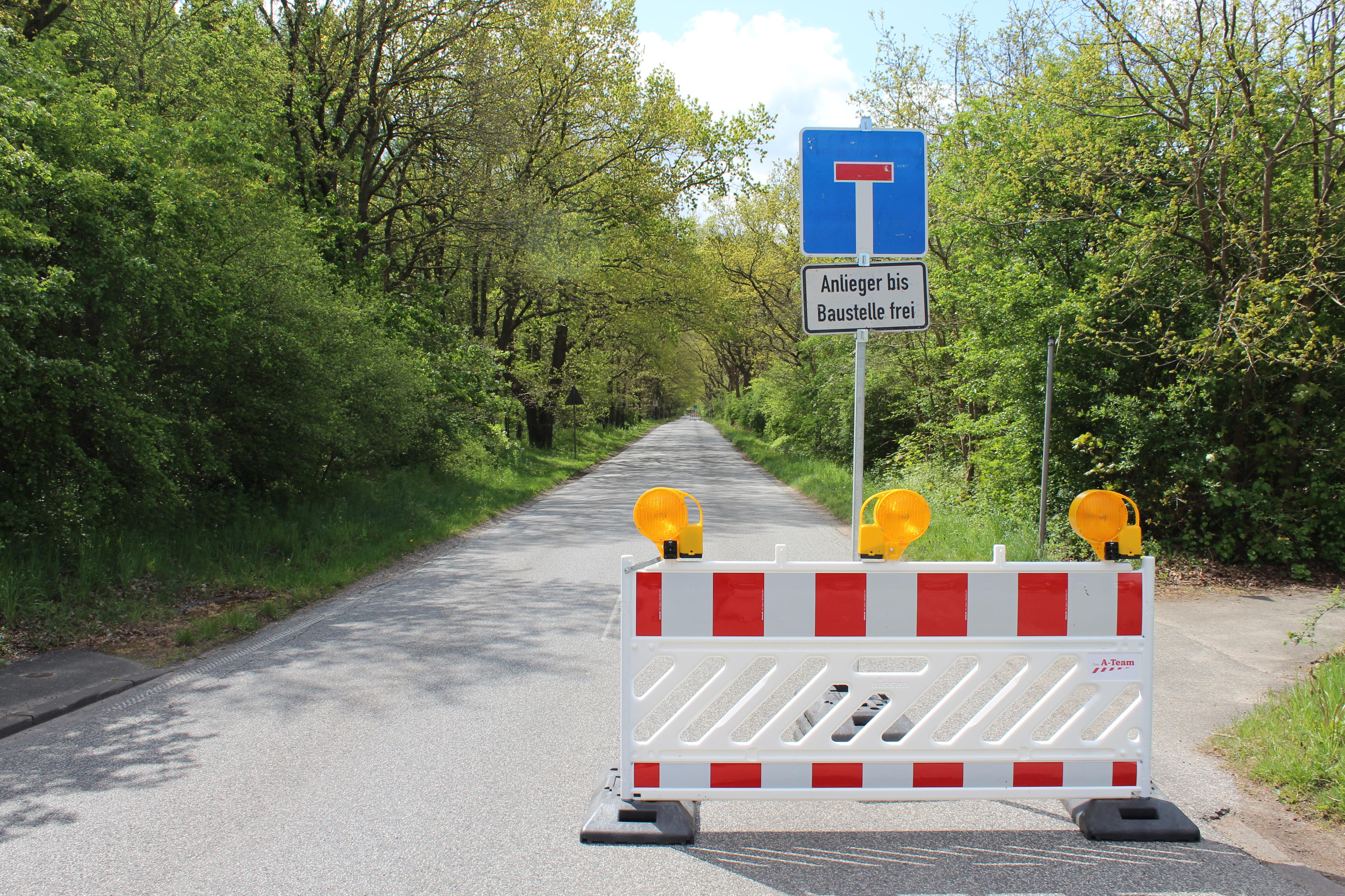 """Nachdem im Herbst 2020 ein Teil der Straßensanierung """"An den Schießständen"""" abgeschlossen wurde, werden die Arbeiten ab 1Nachdem im Herbst 2020 ein Teil der Straßensanierung """"An den Schießständen"""" abgeschlossen wurde, werden die Arbeiten ab 17. Mai, fortgesetzt.7. Mai, fortgesetzt."""
