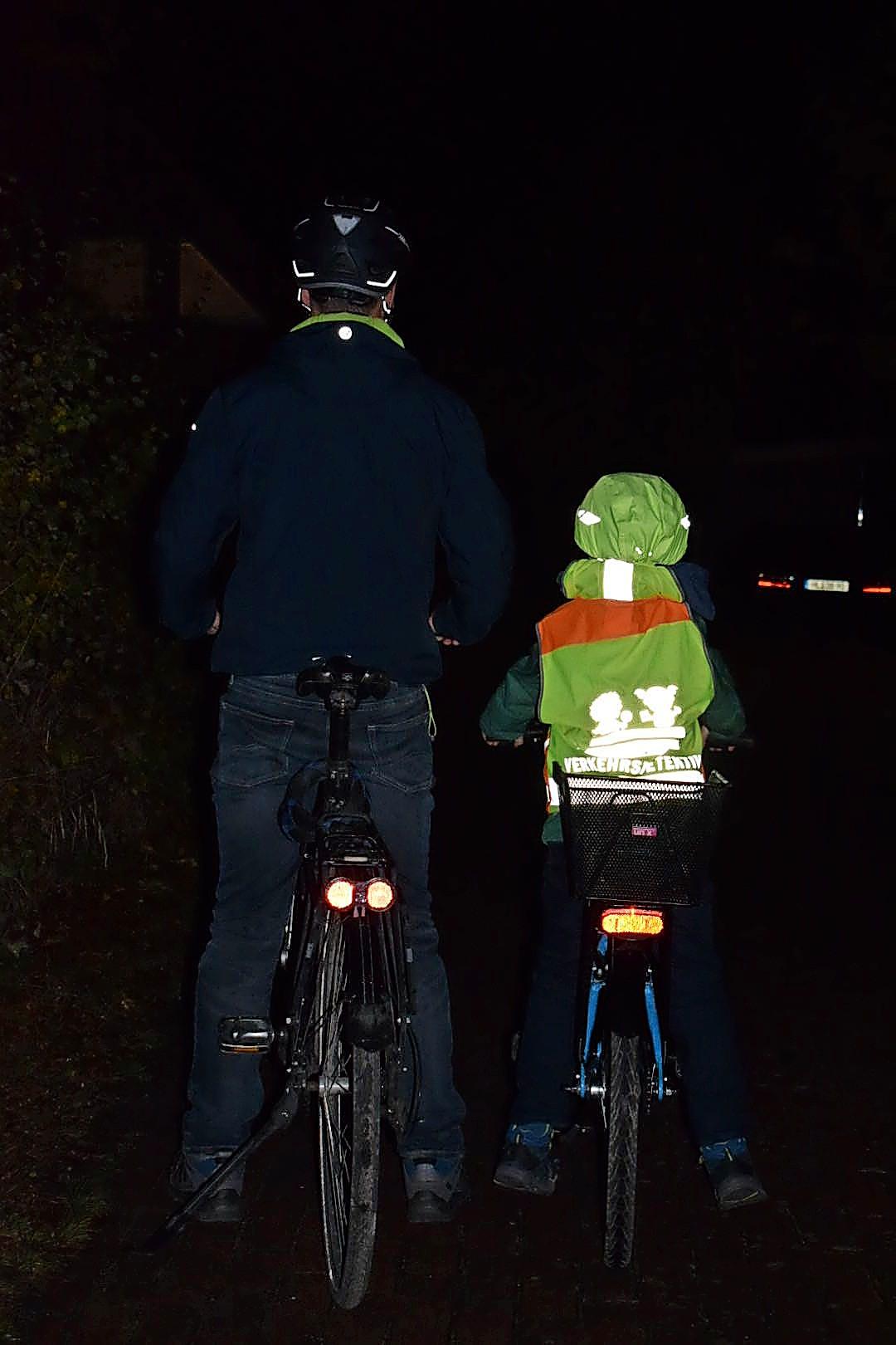 Im Herbst erhöht sich die Gefahr, im Lübecker Straßenverkehr als Radfahrer schlechter erkannt zu werden. Sicherheit ist besonders wichtig.