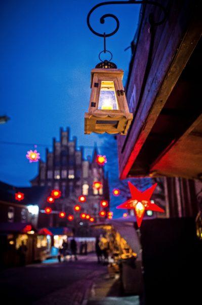 """Weihnachtsmärkte wird es in diesem Jahr in Lübeck nicht geben. Aber die """"Weihnachtsstadt des Nordens"""" wird stimmungsvoll leuchten."""