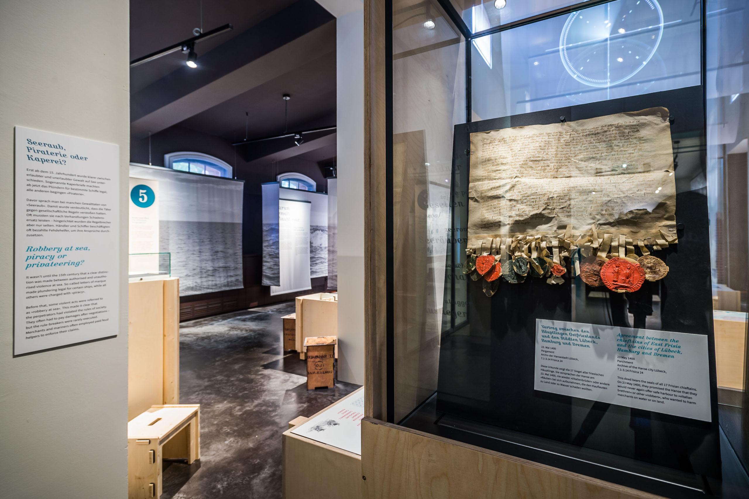 """Ab Freitag gibt es die Möglichkeit, die Ausstellung """"Störtebeker & Konsorten – Piraten der Hansezeit?"""" in einer Online-Führung zu entdecken."""
