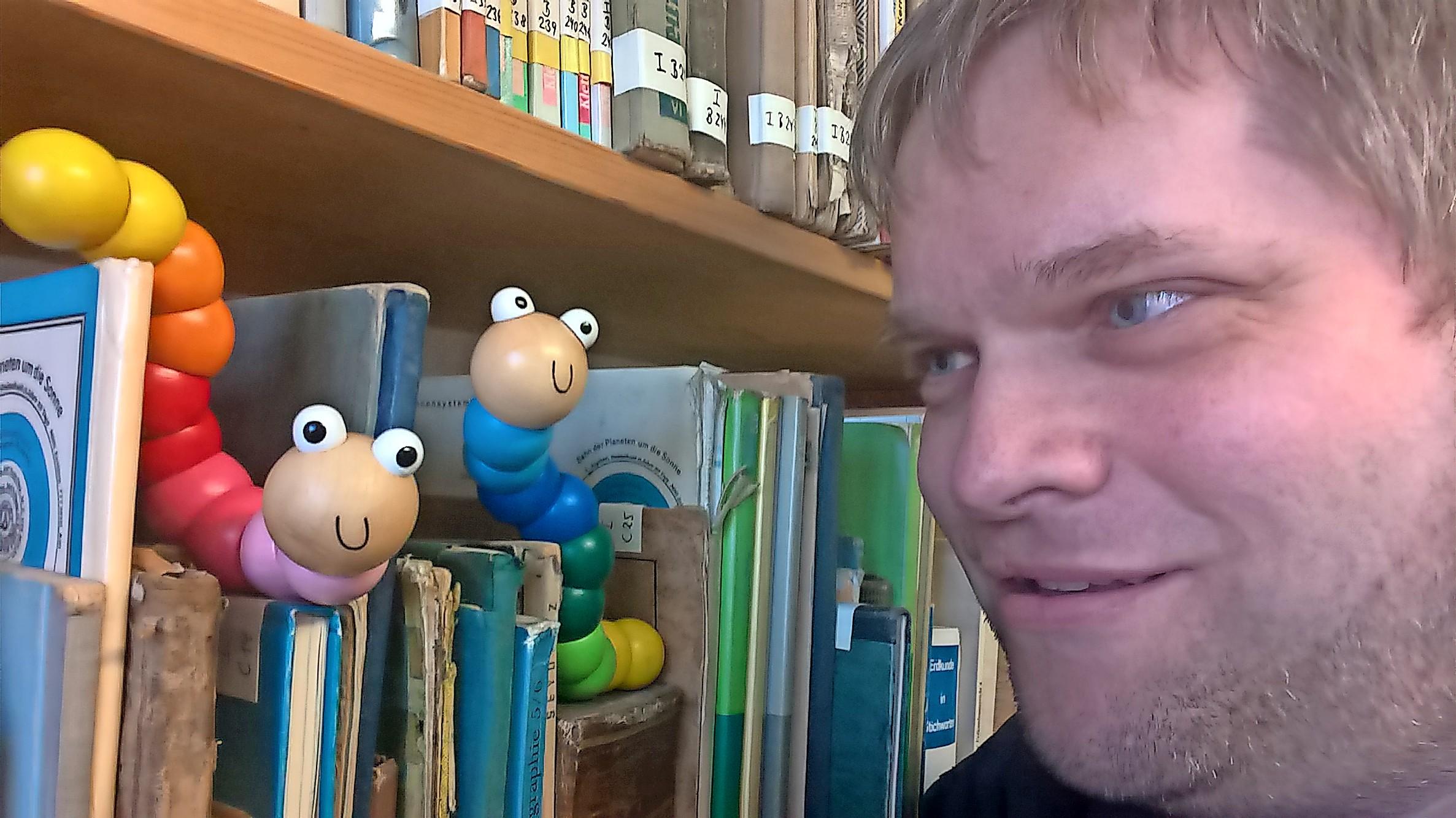 Das Dorf- und Schulmuseum Schönwalde ist auf der Suche nach einem ehrenamtlichen Betreuer für die kleine Bibliothek des Ausstellungshauses.