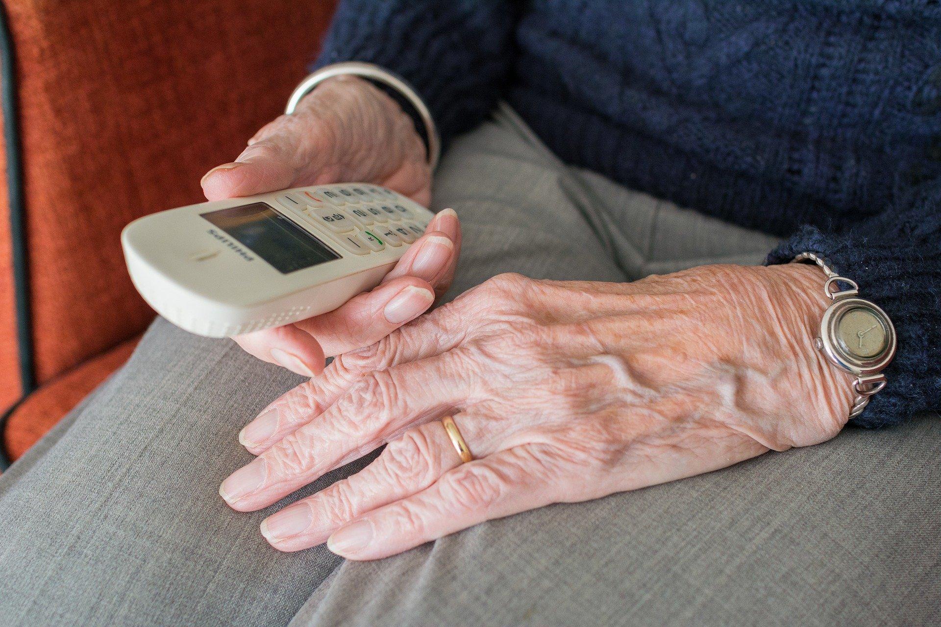 Insgesamt 20 Mal haben Betrüger in Lübeck und Ostholstein per Telefon versucht, an die Ersparnisse älterer Bürger zu gelangen.