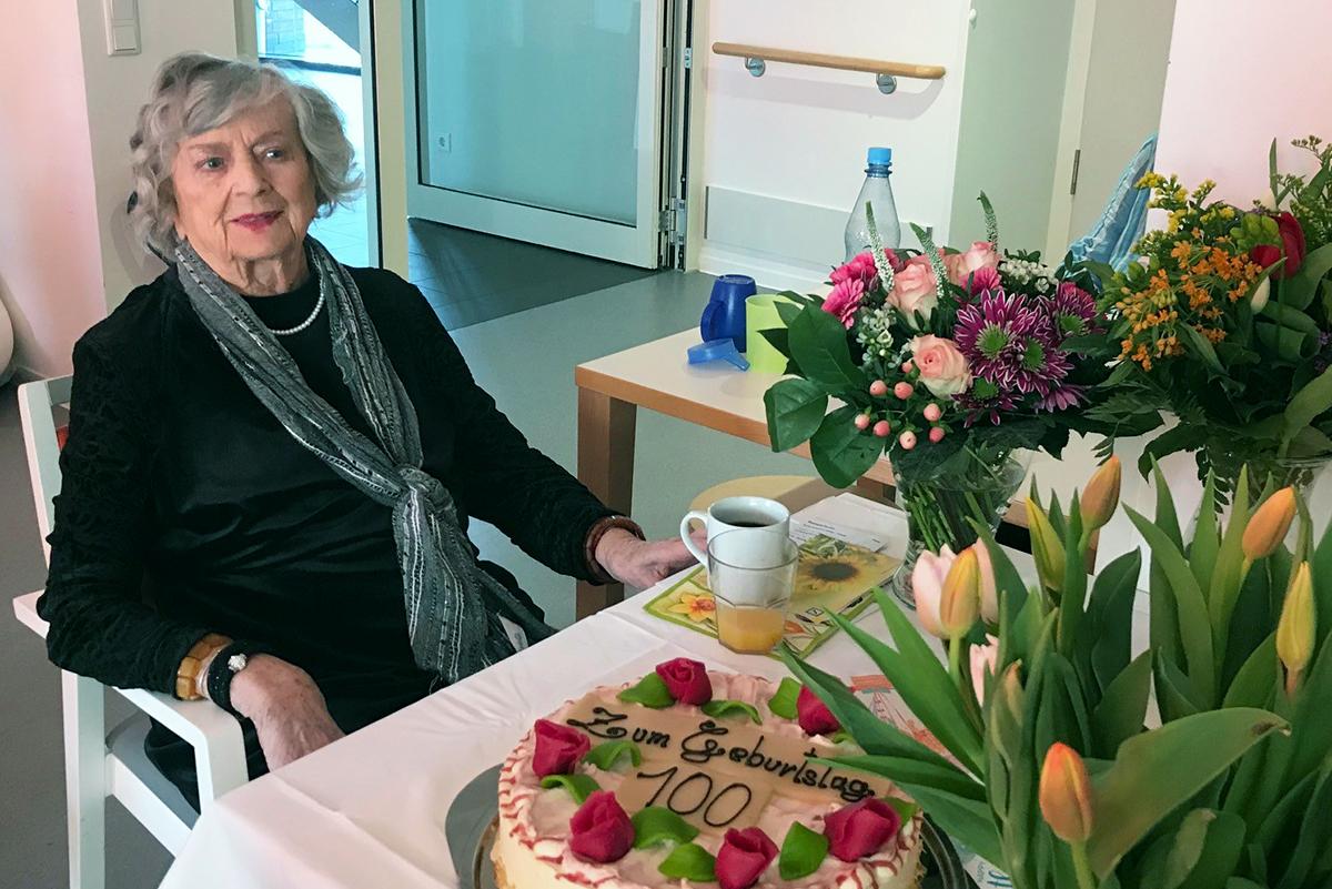 Unter Einhaltung aller Regeln zur Eindämmung der Corona-Pandemie wurde am 25. Februar, der 100. Geburtstag von Else Junker begangen.