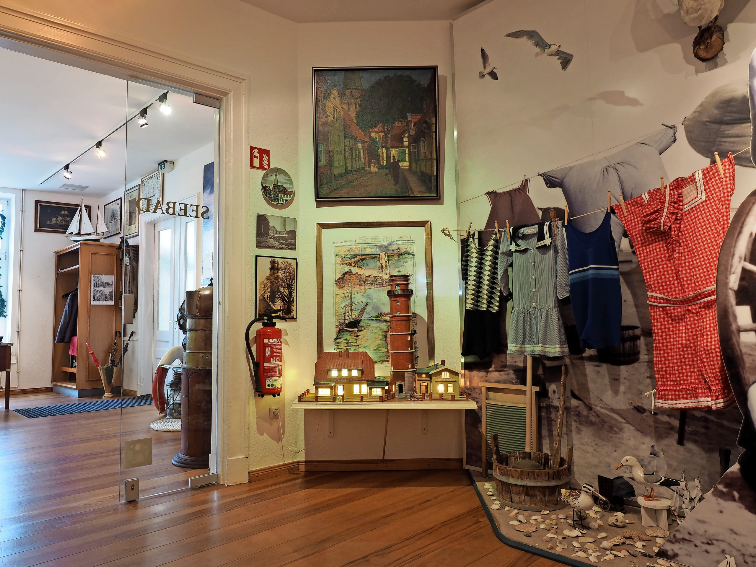Das Seebadmuseum Travemünde öffnet nach der Winterpause wieder und sucht außerdem noch ehrenamtliche Mitarbeiter.