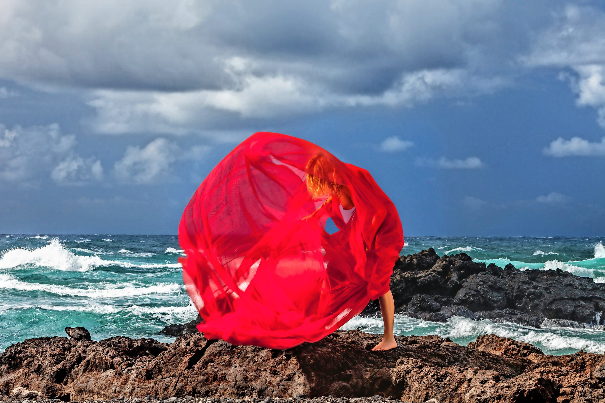 Die Galerie Sea & Sirens  am Priwall mit Werken von Wim Westfield öffnet freitags bis sonntags von 12 bis 18 Uhr.