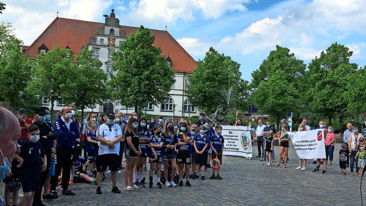 Zwei Bad Schwartauer Vereine wünschen sich eine neue Sportanlage am Papenmoor und eine baldige Entscheidung der Verantwortlichen.