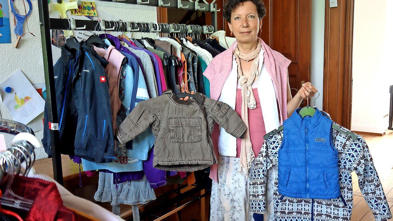 Auch die St.-Matthäi-Kirchengemeinde möchte helfen und hat sich entschlossen, eine Kleiderkammer zu eröffnen.