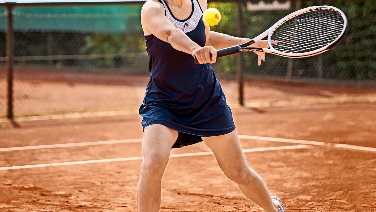 Die Tennisabteilung des ATSV Stockelsdorf feiert den Start in die Sommersaison mit einem Tennisfest und lädt Interessierte ein dabei zu sein.