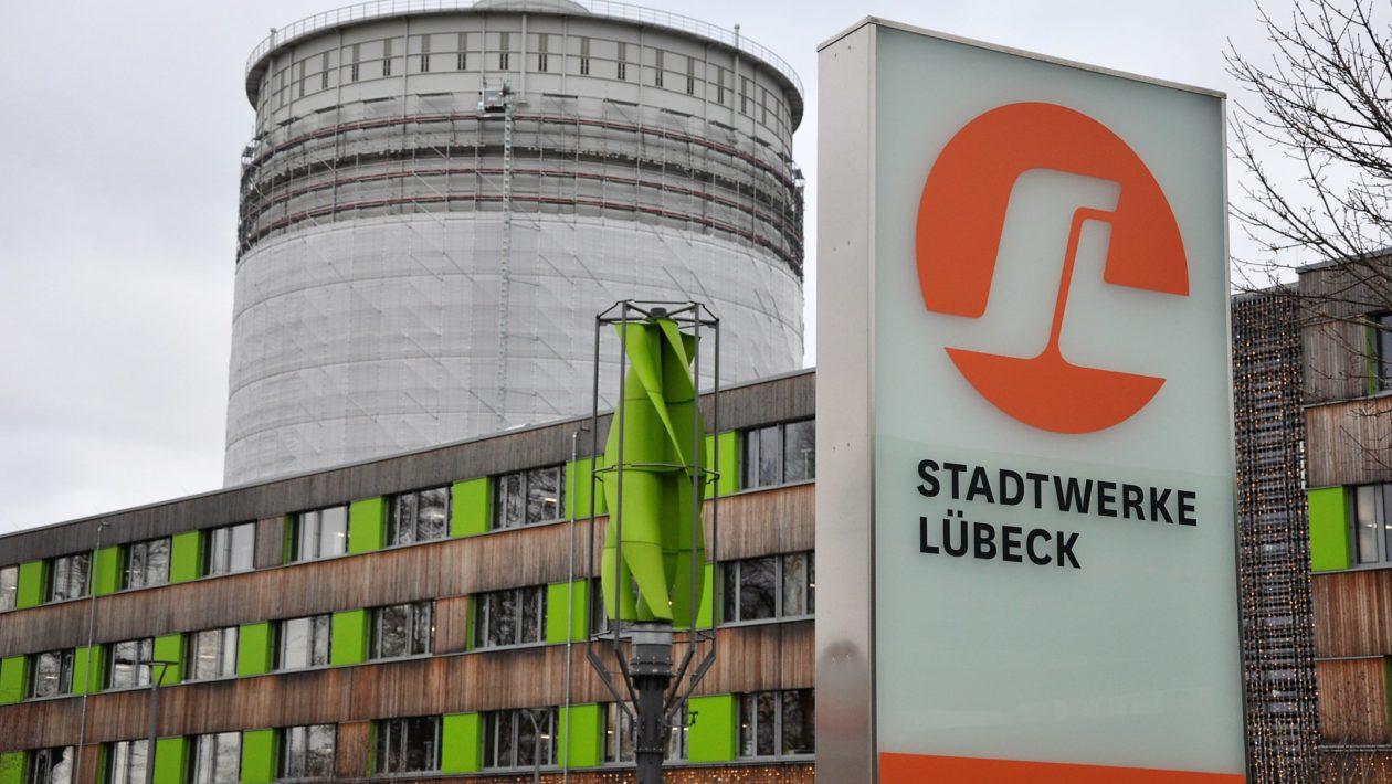 Lübeck Gasometer abgerissen