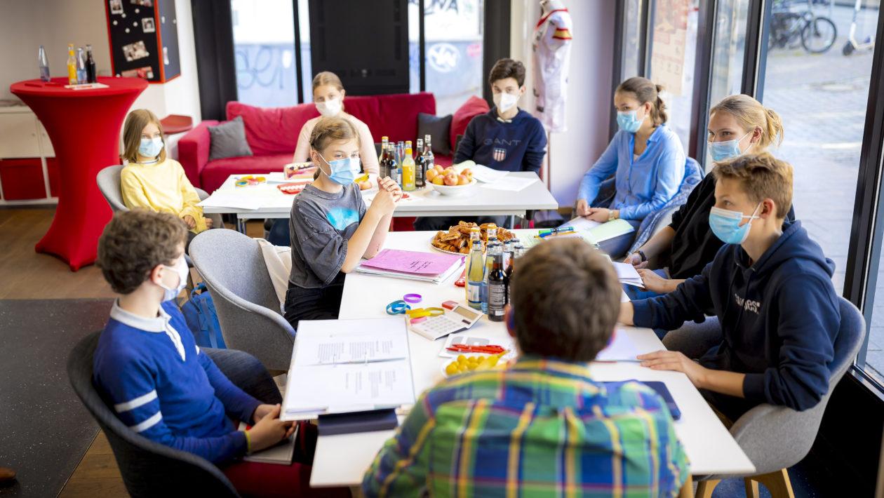 Die Kinder- und Jugendjury der Sparkassensitzung hat sich zu einer Sitzung getroffen.