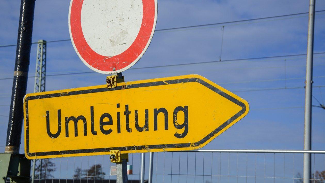 Ab Montag findet eine Betonplattensanierungen auf der A1 zwischen Sereetz und Ratekau unter nächtlicher Vollsperrung statt.