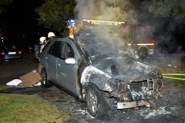 Lübeck Auto brennt aus