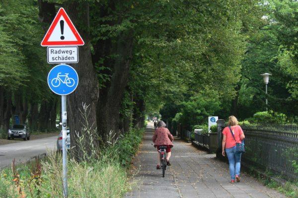 Die gesperrten Radwegeflächen in der Roeckstraße werden ab 18. Oktober entsiegelt. Die geplante Gesamtbauzeit beträgt rund neun Wochen.