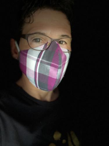 Anja Hötzsch hat ihre Maske extra für eine Sitzung genäht.
