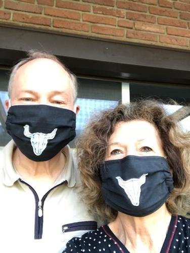 Auch für Wacken-Fans gibt es Masken.
